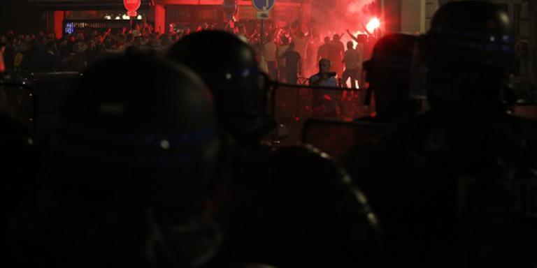 Frankrijk zet Russische hooligans land uit
