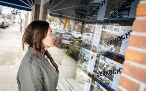 Het aanbod op de woningmarkt is al krap, en starters met een modaal inkomen hebben nóg minder keus.