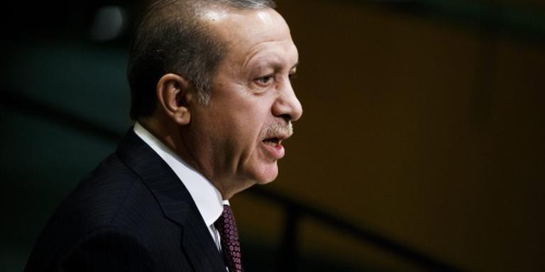 Erdogan zet actie tegen Böhmermann voort