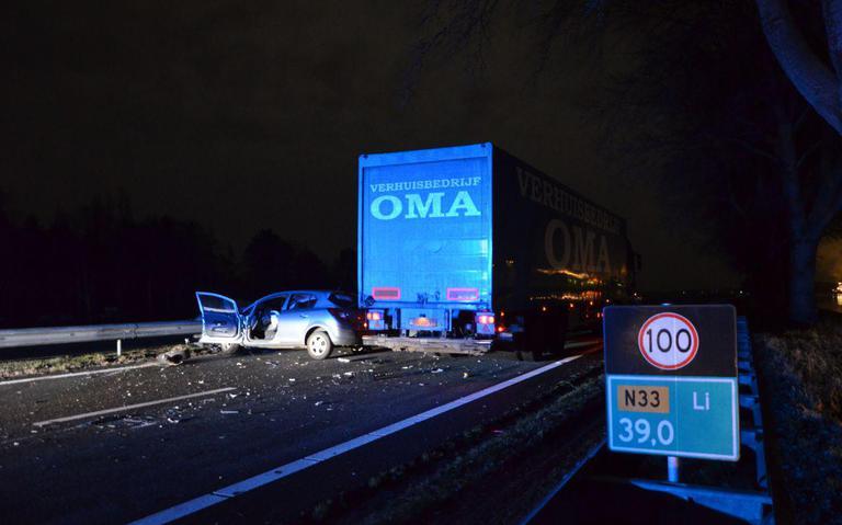 Ongeval N33 Veendam tussen auto en vrachtwagen.