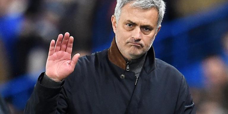 Mourinho voelt zich in de steek gelaten
