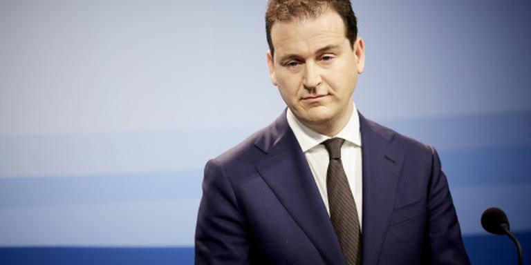 Minister: koopkracht stijgt meer dan verwacht