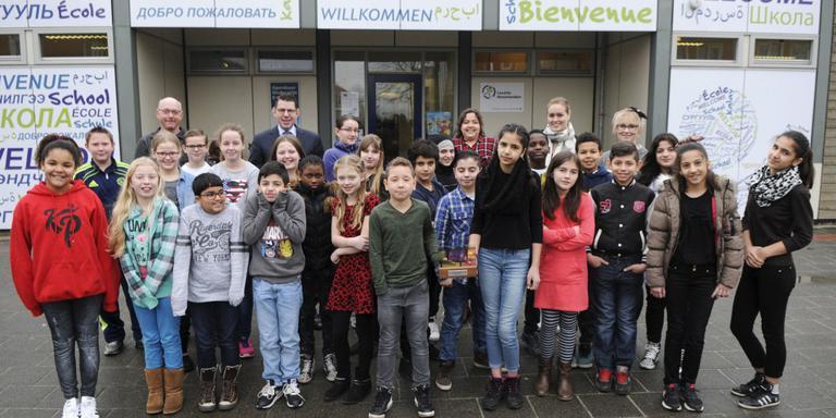 Emmer azc-leerlingen winnen weer prijs met film. FOTO BENNIE WOLBERS