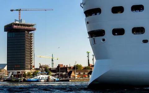 Cruise-toeristen in Amsterdam: een tour en een rondvaart