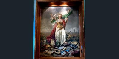 De Groninger Stedenmaagd, een schilderij van Otto Eerelman in de raadszaal van het Stadhuis.