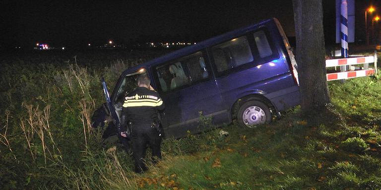 Vier gewonden na ongeluk met busje bij Emmen.