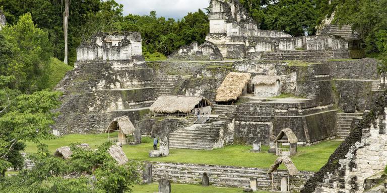 Overblijfselen van Tikal.