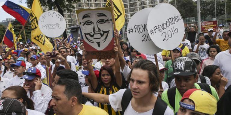 Massale roep in Venezuela om vertrek Maduro