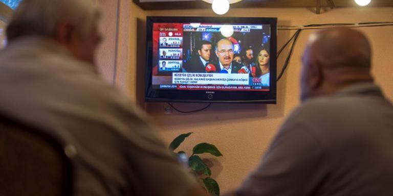 Coupplegers halen CNN Turk uit de lucht