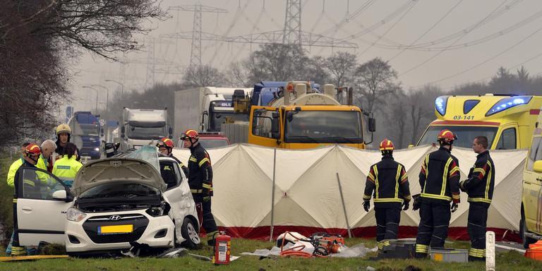 Dode en zwaargewonde bij dubbel ongeval N34.