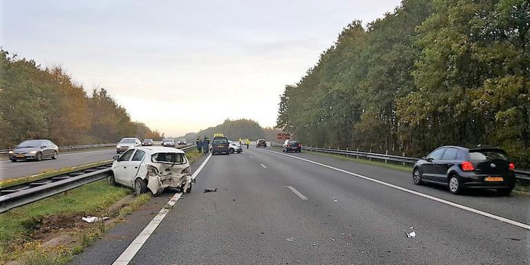 File na ongeluk op de A28 bij Ubbena: vertraging voorbij.