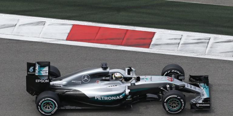 Excuses van Mercedes aan Hamilton