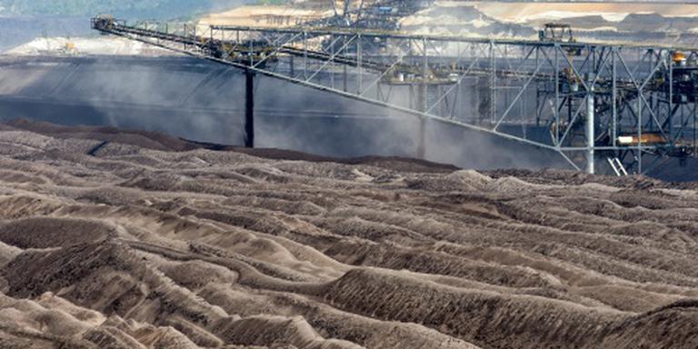 Actievoerders leggen bruinkoolmijn stil