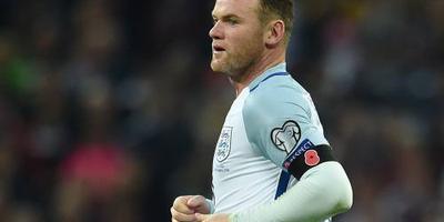 Rooney met nummer 10 én aanvoerdersband