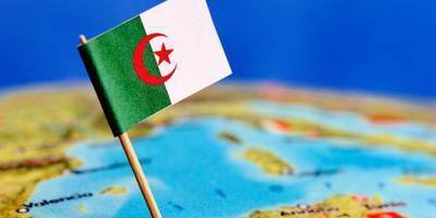Algerijnse straaljager stort neer, twee doden