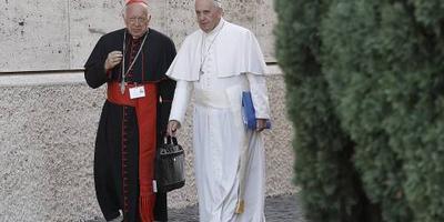 Paus accepteert ontslag Chileense kardinaal