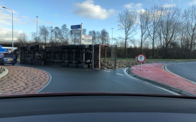 Bietenwagen gekanteld bij Hoogkerk.