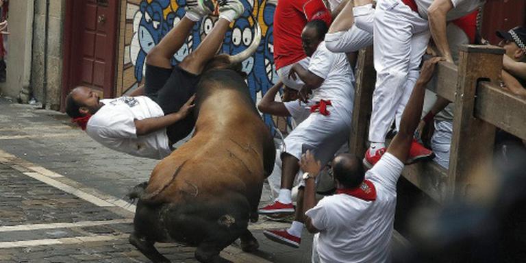 Zes mensen op de hoorns genomen in Pamplona