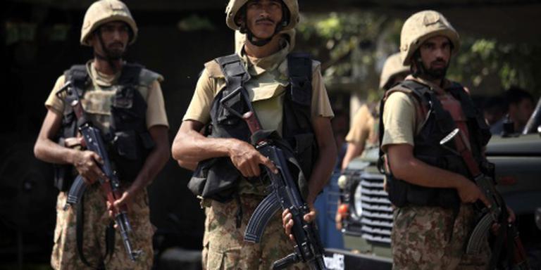 Regering Pakistan waarschuwt het leger