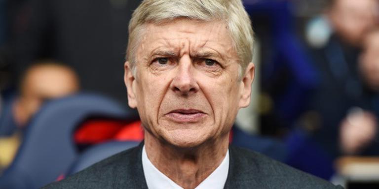 Wenger geeft de strijd niet op