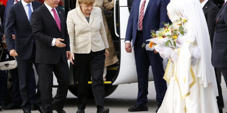 Merkel, Tusk en Timmermans bezoeken Nizip