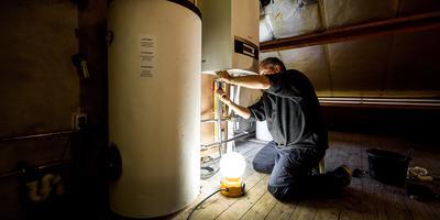 Steeds meer cv-ketels op aardgas worden vervangen door alternatieven als warmtepompen of ketels op waterstof. Foto: ANP / Koen van Weel