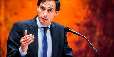 Hoekstra: stap Brussel tegen Rome belangrijk