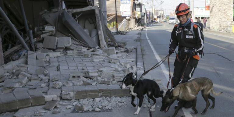 Zoektocht naar overlevenden na bevingen Japan