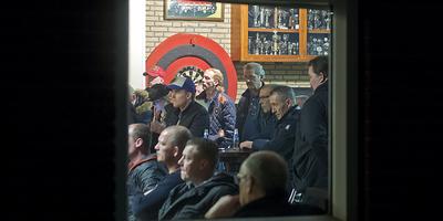 De pers is even niet welkom op de ledenvergadering van WKE. Foto Jan Anninga