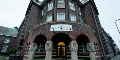 Minister pakt islamitische 'universiteit' aan