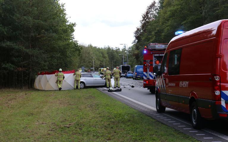 Twee gewonden bij zware botsing tussen auto en streekbus op N34 bij Odoorn.