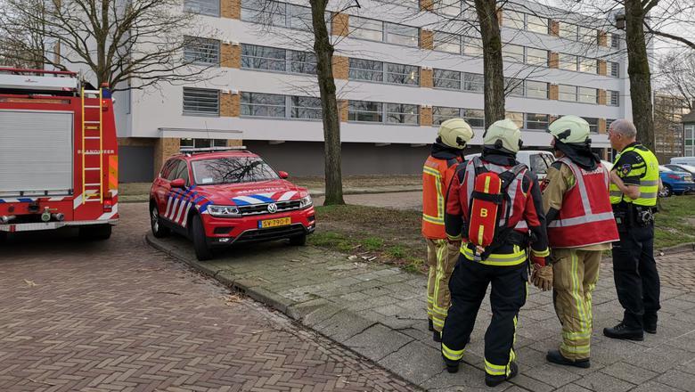 Een gaslek zorgt zaterdagavond voor gevaar in een flat aan de straat Ellen in Assen. Foto: Compact Media