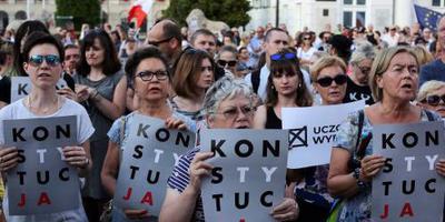 Polen buigt voor EU over rechterlijke macht