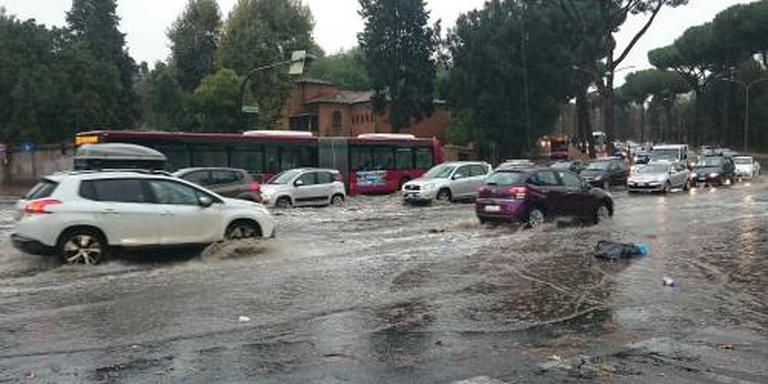 Noodweer in Italië voorbij, zorgen blijven