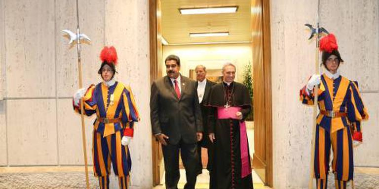 Maduro op bezoek bij paus