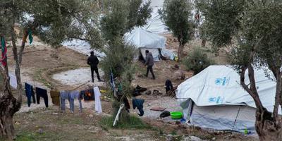 Griekenland haalt 2000 migranten van Lesbos