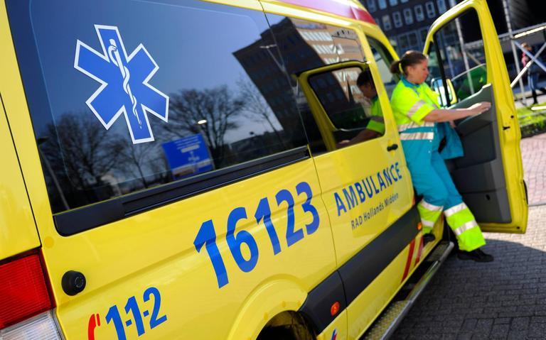 Bestuurder gewond na botsing met vangrail op N371 bij Meppel.