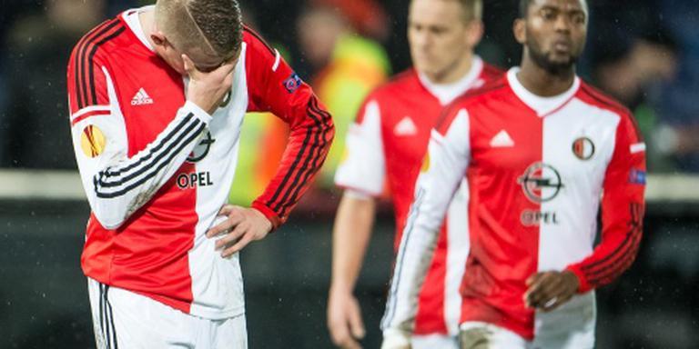 Feyenoorder Van Beek ramt vier auto's