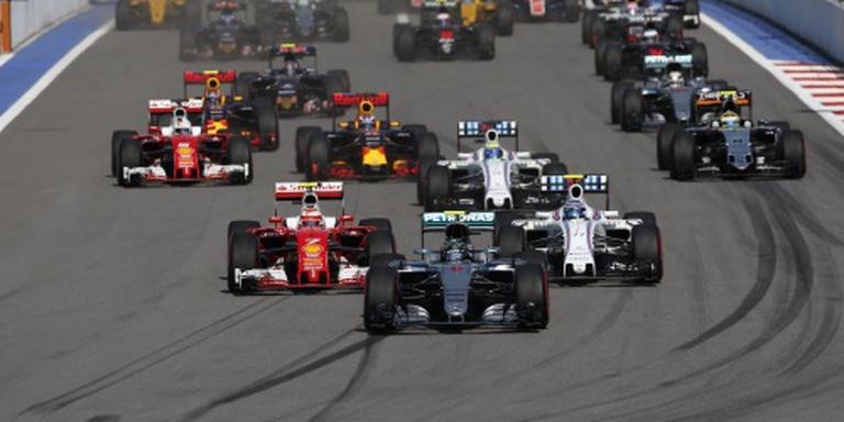 Rosberg zet zegereeks voort in Rusland