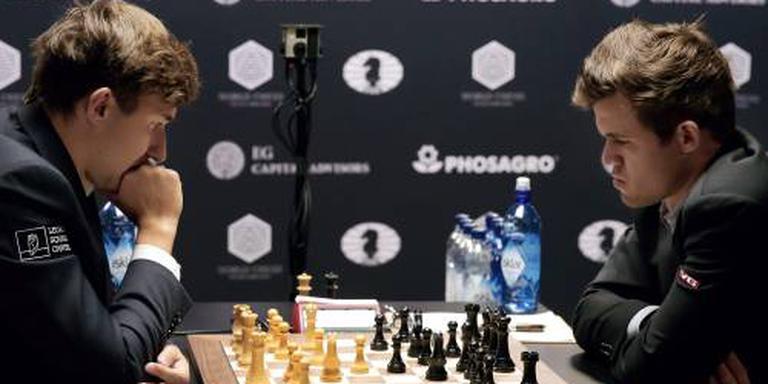 Vier remises uit vier bij Carlsen en Karjakin
