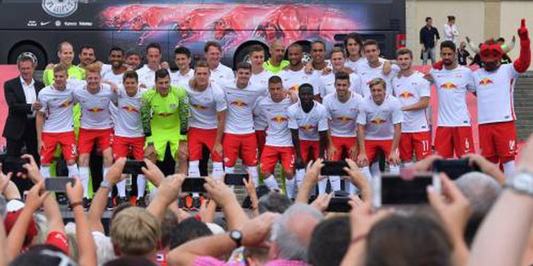 Spelersbus RB Leipzig bekogeld in Leverkusen