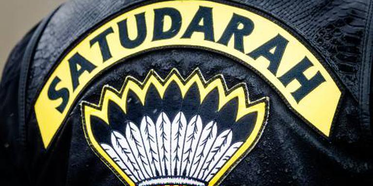 Ontslagen lid Satudarah krijgt baan terug
