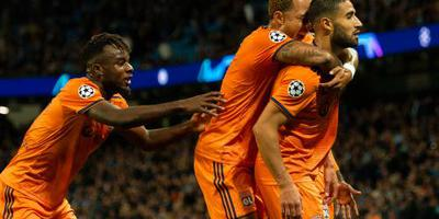 Depay en Lyon verrassen Manchester City