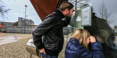 Laatste bezoekers Infoversum stoten neus aan dichte deur