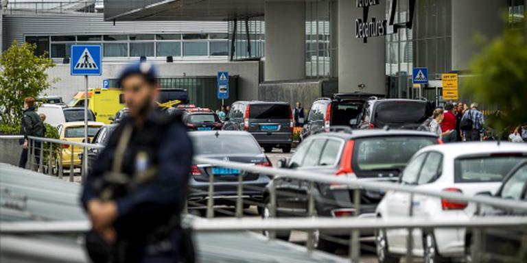 Automobilisten richting Schiphol staan vast