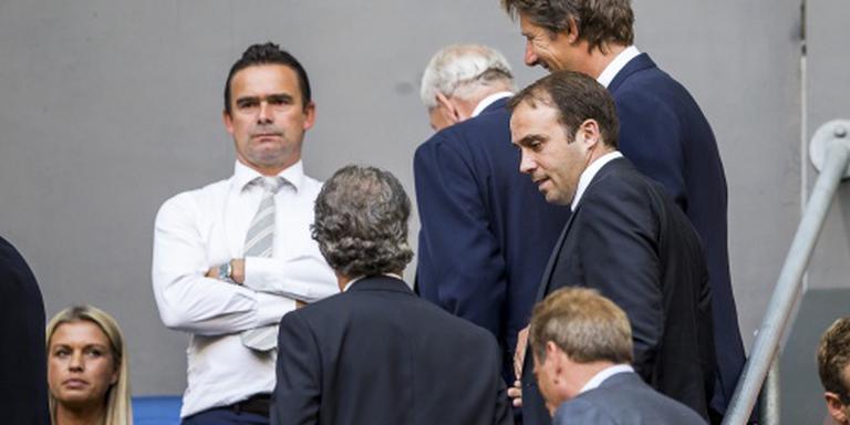 Ajax gaat contract Overmars verlengen