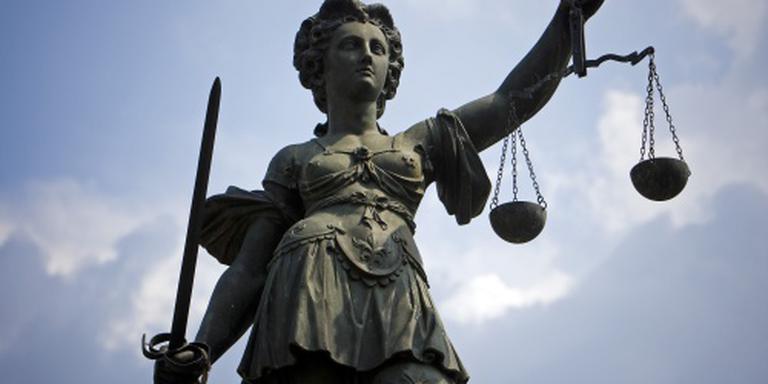OM eist taakstraf asielzoekers om aanranding