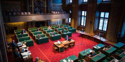 Eerste Kamer stemt in met noodpakket voor stilgevallen economie