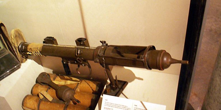 Antitankgranaat uit de Tweede Wereldoorlog (in het Canadian War Museum).