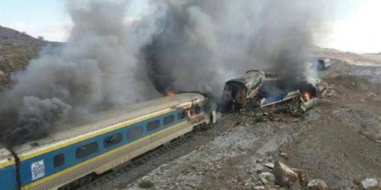 Tientallen doden door treinbotsing Iran